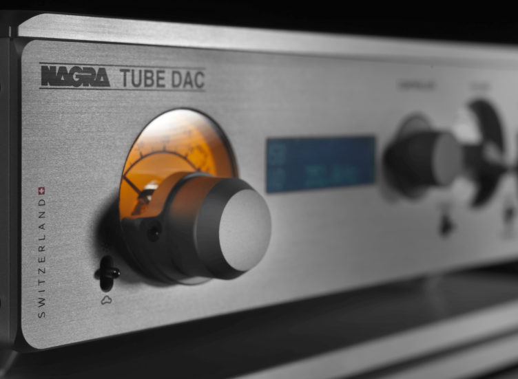 Nagra TUBE DAC digital to analog converter high end top best front modulometer