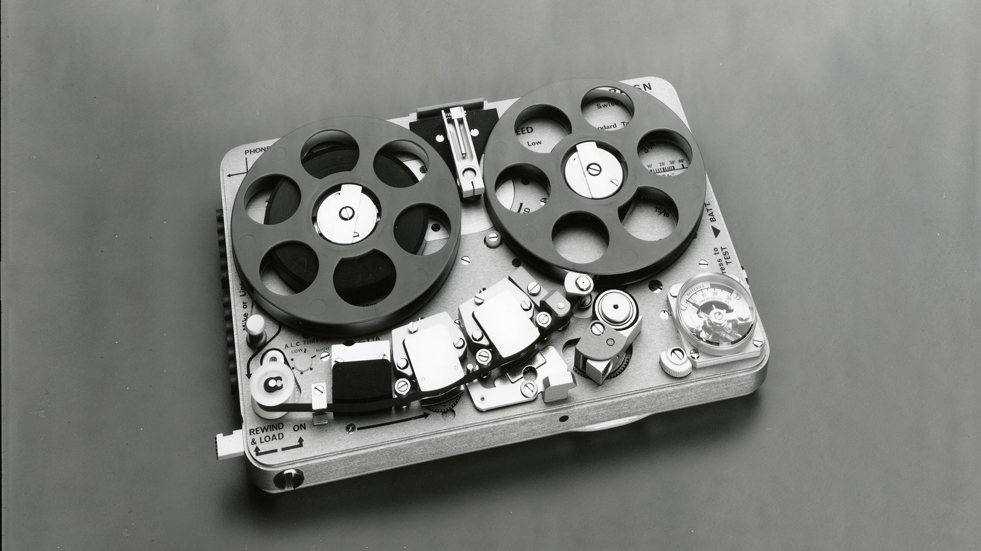 Nagra SN black & white spy recorder james bond mission impossible