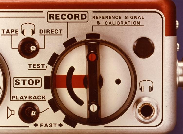 1976 NAGRA E-Economy portable mono full track analog audio tape recorder radio reporters NAB CCIR selector peclette