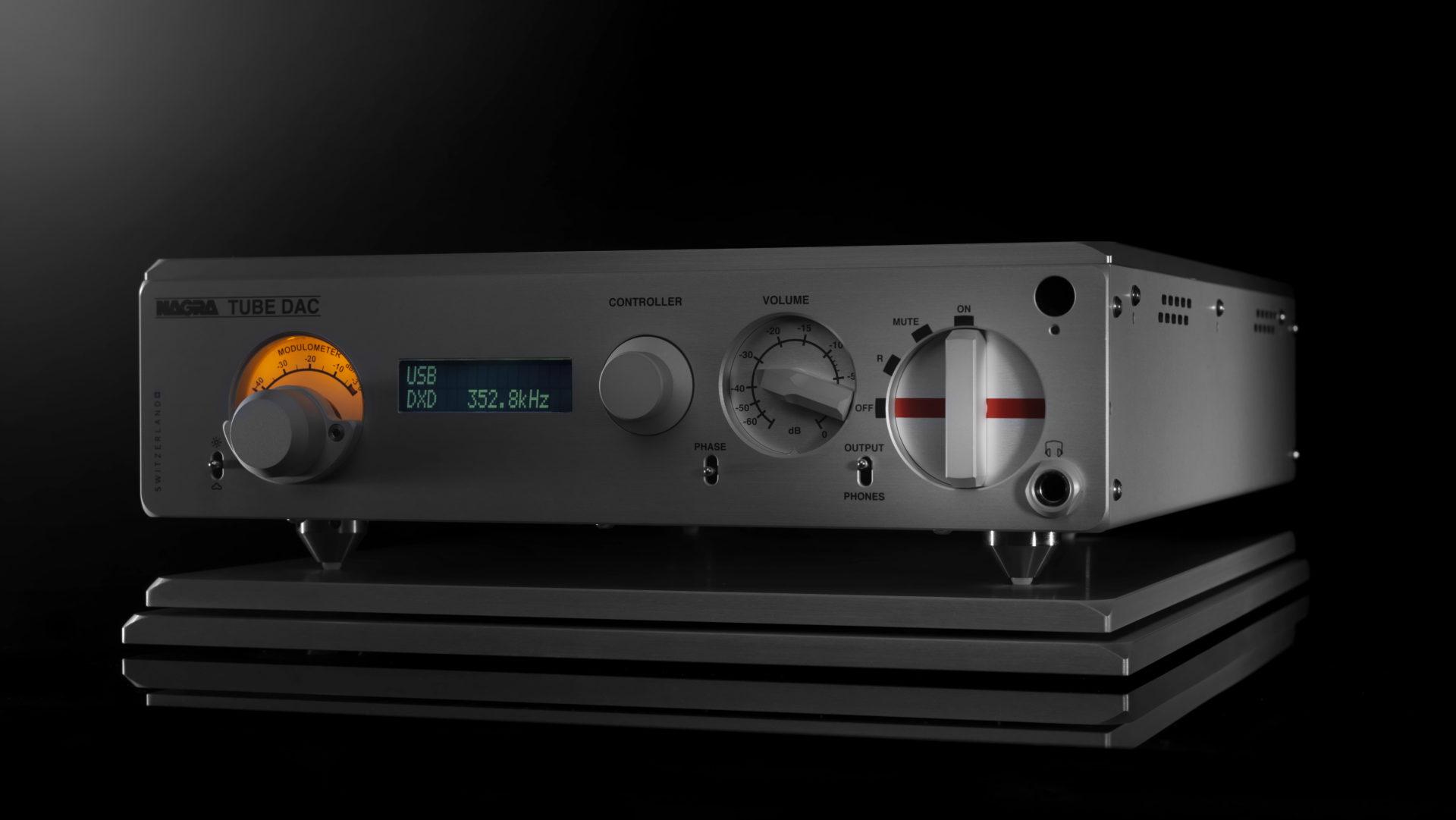 Nagra TUBE DAC digital to analog converter high end top best top front modulometer vfs
