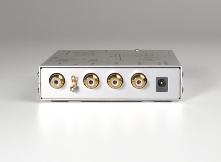 BPS phono stage preamplifier back rear